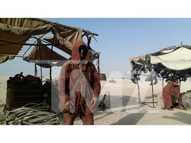 Foto di una comparsa sul set di Star Wars 7