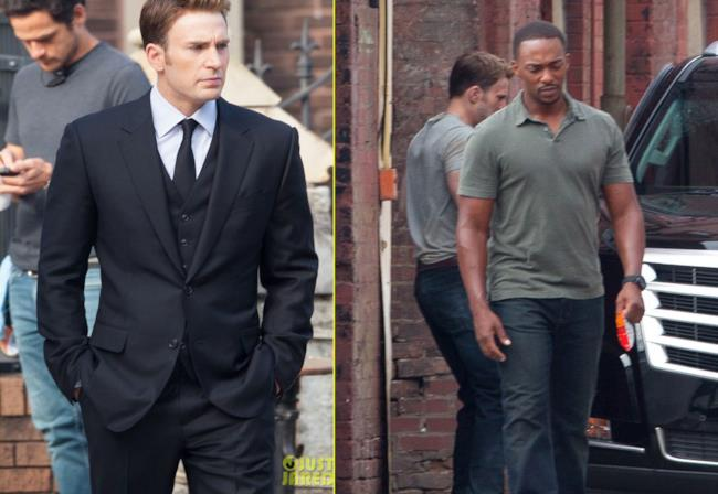 Chris Evans e Anthony Mackie a un funerale di Capitan America: Civil War