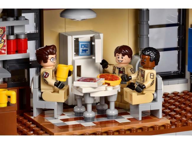La Caserma LEGO dei Ghostbusters: la pizza