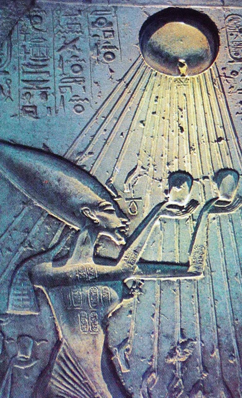 La misteriosa stele egiziana del sacrificio alieno