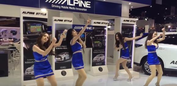 Quattro ragazze immagine con zero talento per la danza