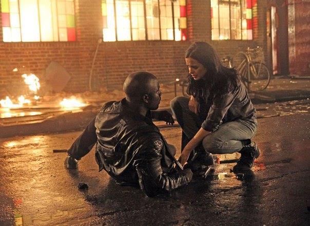 Prima immagine ufficiale di Luke Cage e Jessica Jones