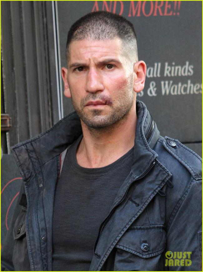 Jon Bernthal sul set di Daredevil nel ruolo del Punisher