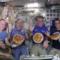 Gli astronauti mentre preparano la pizza
