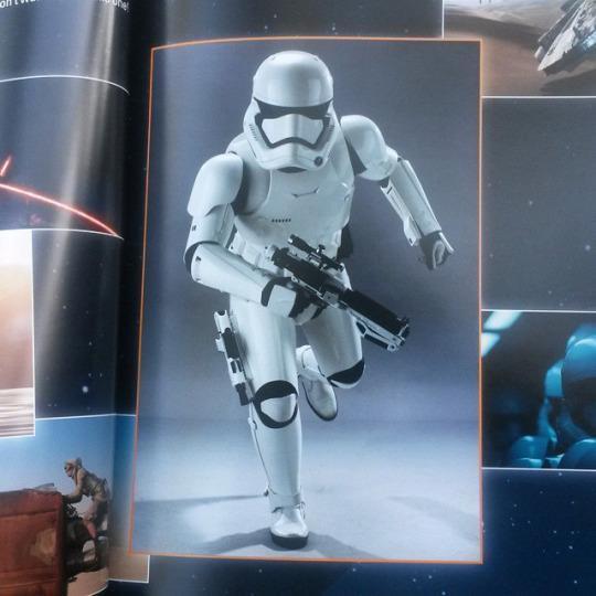 Il look di uno degli Stormtrooper del Risveglio della Forza