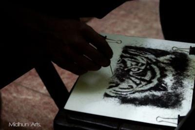 Una tigre realizzate con i capelli