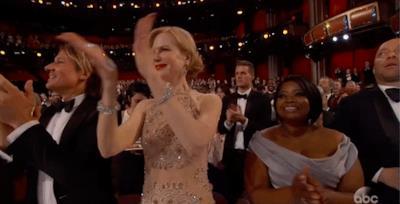 Nicole Kidman che applaude