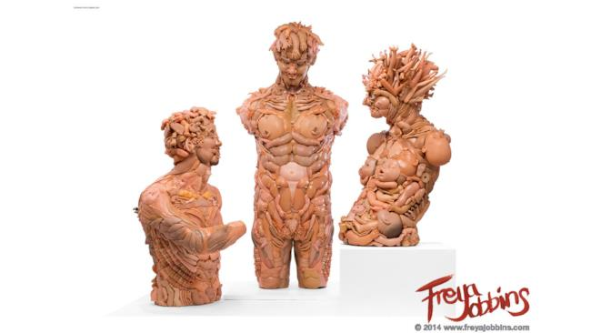Statue che sembrano provenire dalla Grecia classica