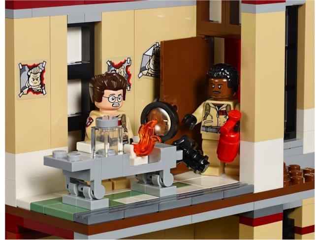 La Caserma LEGO dei Ghostbusters: allarme incendio