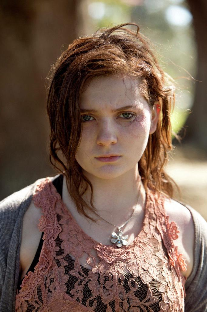 Abigail Breslin nel ruolo di Maggie in un'immagine promozionale