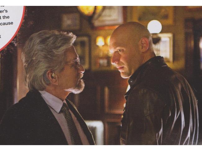Michael Douglas e Corey Stoll in una scena di Ant-Man
