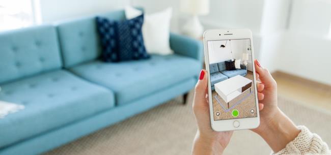 Ecco IKEA Place, la nuova app che sfrutta la realtà aumentata