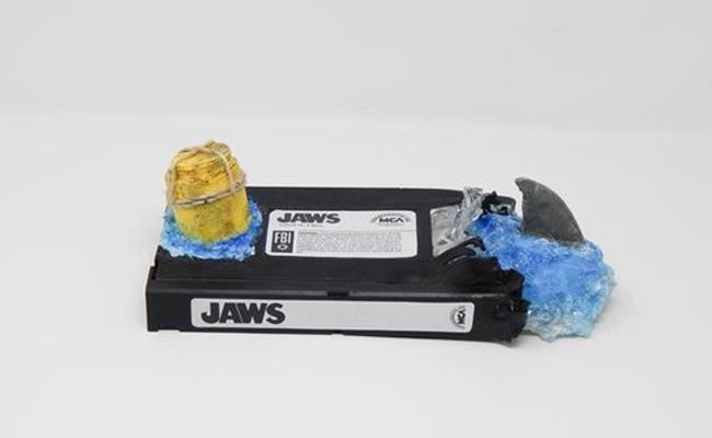 Le VHS di Readful Things diventano sculture horror