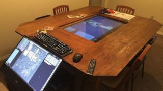 """Tavolo hi-tech """"fai da te"""" per Dungeons & Dragons."""