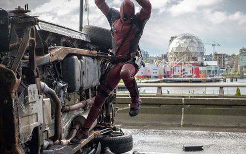 Il trailer di Deadpool ti piace di più nella versione inglese o italiana?