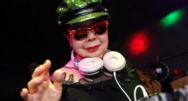 DJ Sumirock alla console