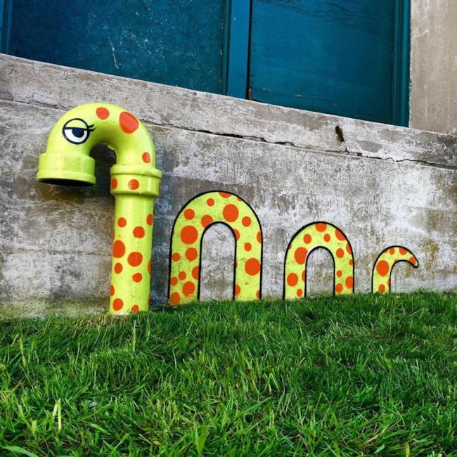 Un serpente disegnato sul muro