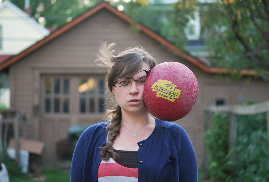Action ball sulla guancia sinistra