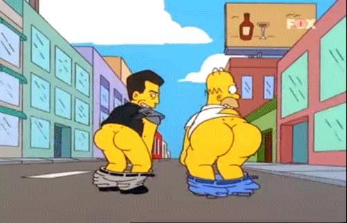 Gif di Homer Simpson e Mel Gibson che mostrano le chiappe