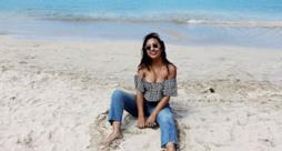 Una foto al mare di Lisette, la giovane indebitata per essere una star di Instagram