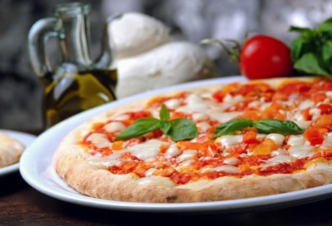 La pizza italiana e i suoi ingredienti