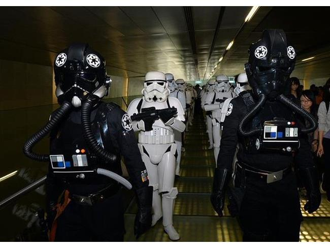 Stormtrooper all'aeroporto di Singapore