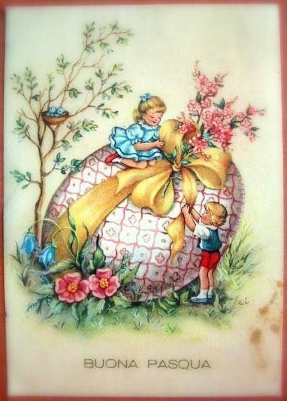 Un uovo gigante di Pasqua con due bambini - Immagini per auguri di Buona Pasqua
