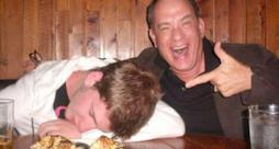 Tom Hanks prende in giro un ragazzo