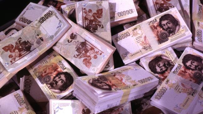Un sacco di mazzette da 100 mila lire