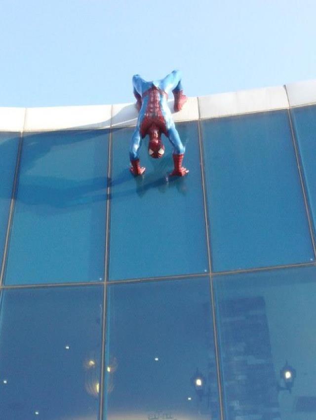 Scultura di Spider Man