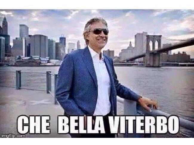 Meme di Andrea Bocelli a New York
