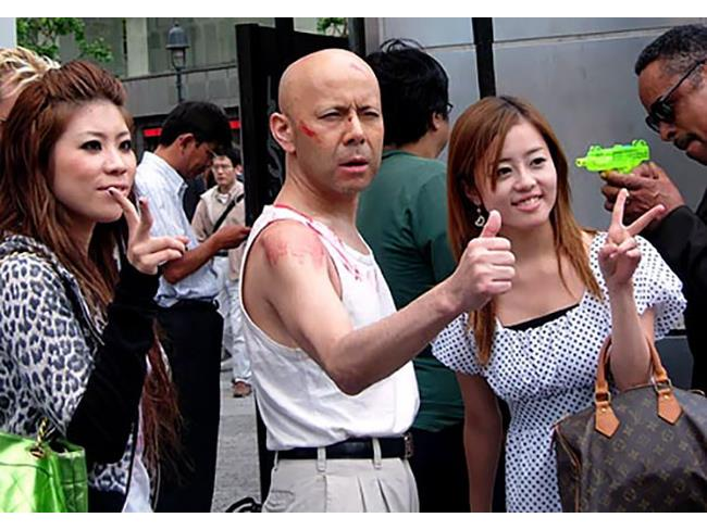 sosia giapponese di Bruce Willis