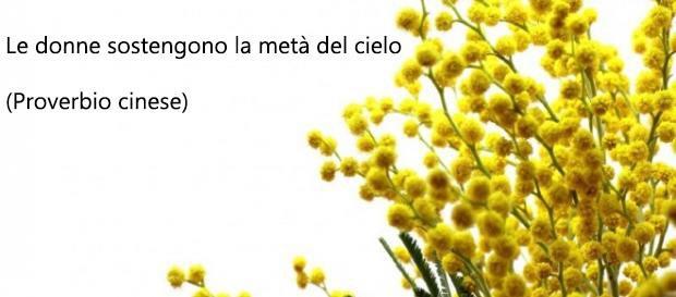 Un frase famosa e un fiore di mimosa - Immagini per la Festa della Donna