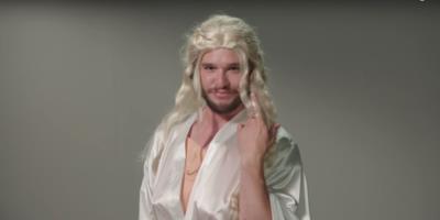 Jon Snow con una parrucca