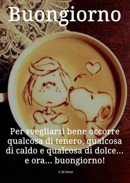 Un cappuccino con dentro Snoopy e Lucy
