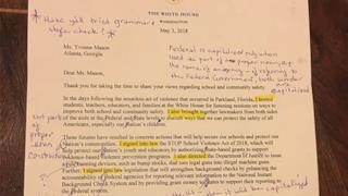 La lettera di Trump corretta da un'insegnante in pensione