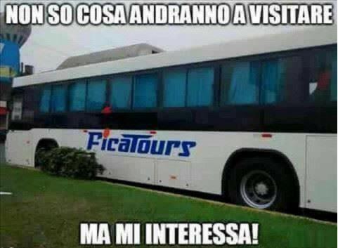 Autobus visto di profilo