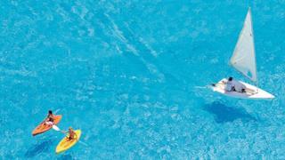 Attività nella piscina più grande del mondo