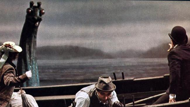 Scena dal film La Vita Privata di Sherlock Holmes di Billy Wilder.