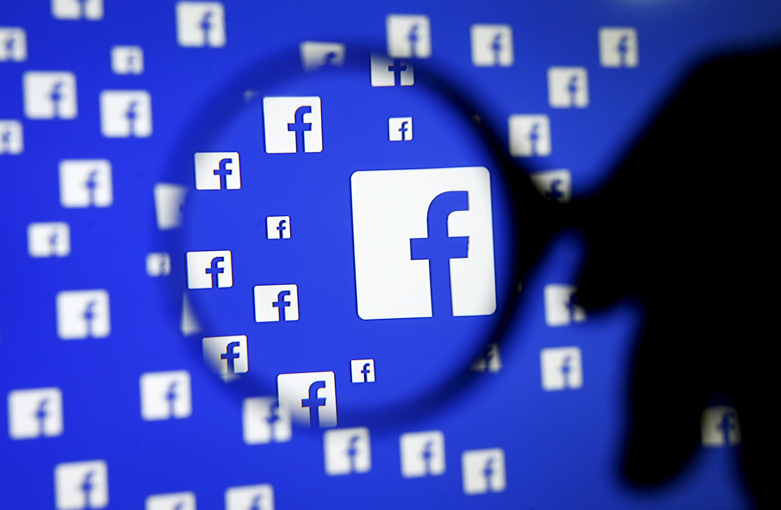 Una foto del logo di Facebook