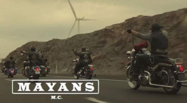 I Mayans in sella alle loro moto