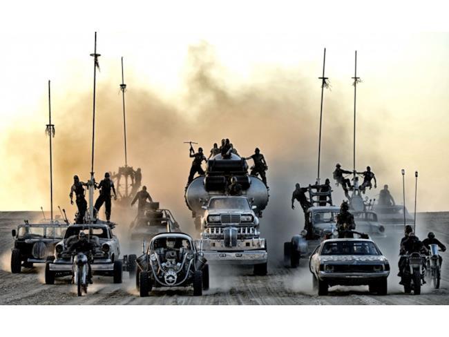 foto di gruppo dei veicoli in Mad Max: Fury Road