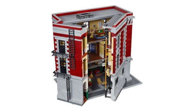 La Caserma LEGO dei Ghostbusters: apertura in corso