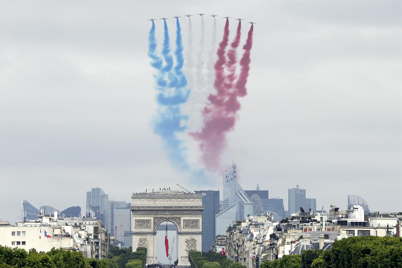 Il tricolore francese per la Festa della Bastiglia