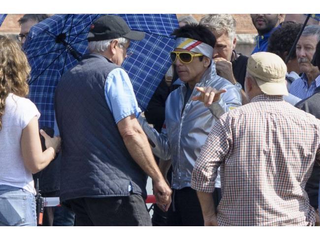 Ben Stiller parla con lo staff di Zoolander 2