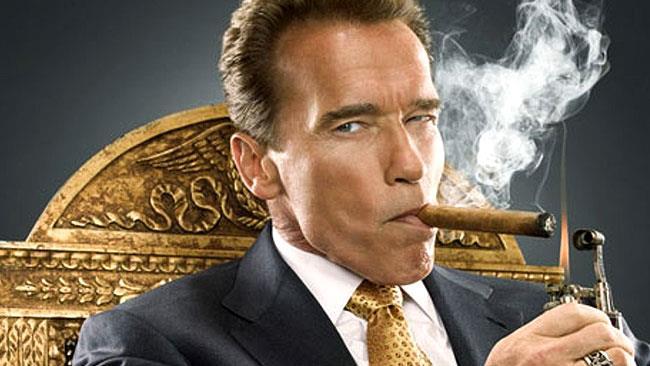 Arnold Schwarzenegger si prepara alla cerimonia per diventare cittadino sardo