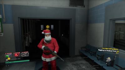 Frank con un vestito da Babbo Natale