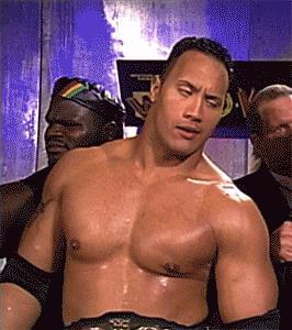 Il wrestler The Rock è annoiato - GIF di reazione ai commenti, le più divertenti da usare su Whatsapp e Facebook