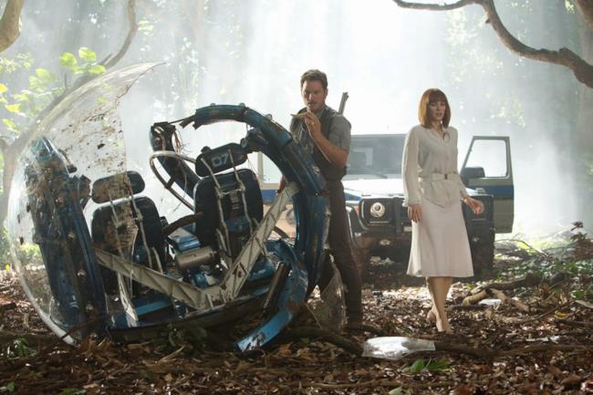 Owen Grady e Claire Dearing in una foto promozionale di Jurassic World