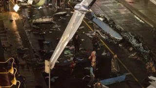 Un aereo caduto sul set di Suicide Squad